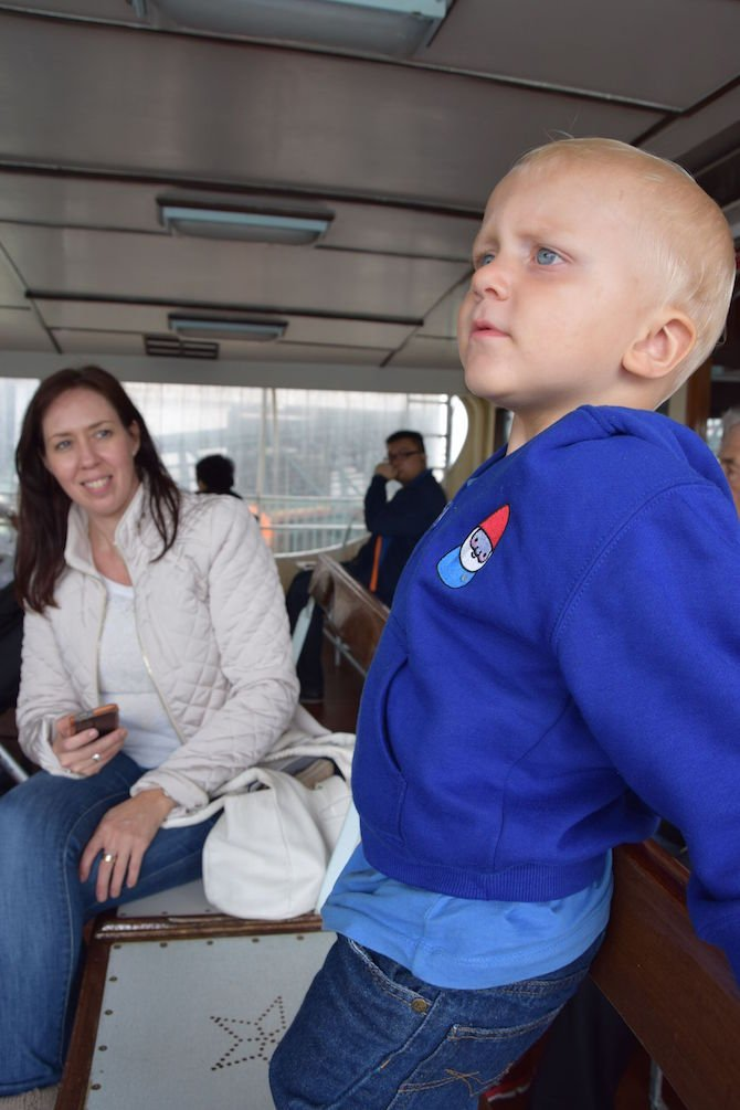 image - hong kong star ferry jack with tania