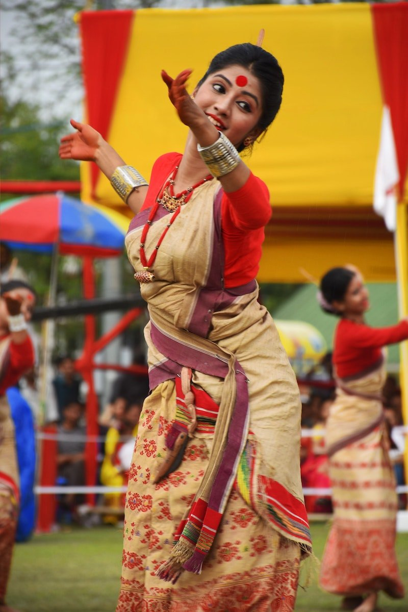 indian dancing classes by ishan das unsplash