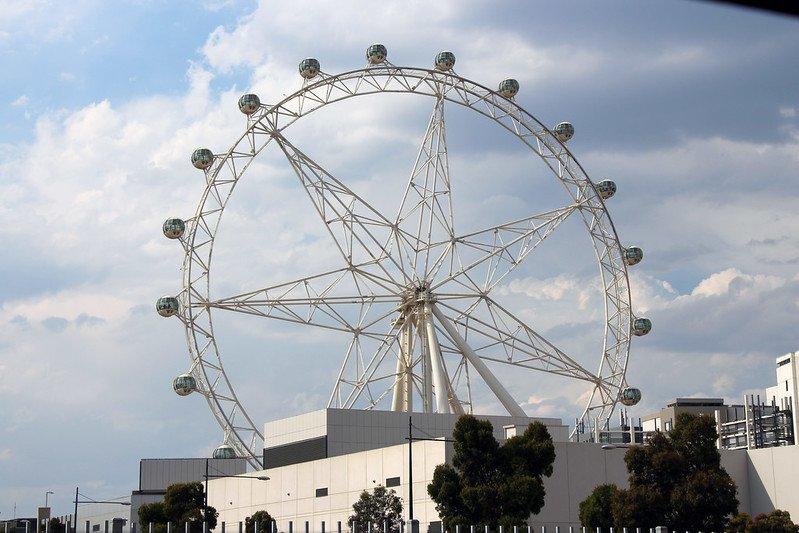 melbourne attractions for kids - melbourne star observation wheel by karlnoring