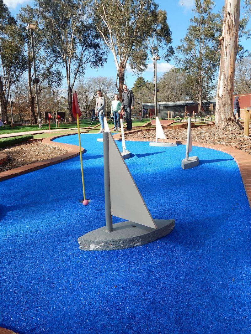 mini golf canberra by yarralumla play station fb