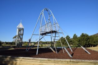 pic - gordon playground canberra Gordon Playground tower and bridge