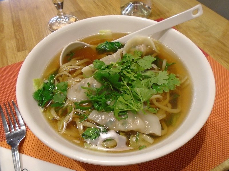 wonton noodle soup by guilhem vellut
