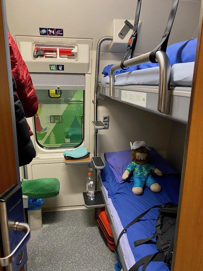 Image - Helsinki to rovaniemi sleeper train for families
