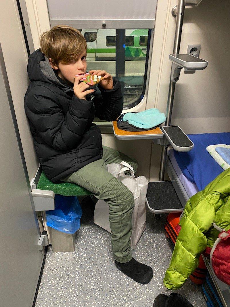 Image - Helsinki to rovaniemi train cabin seating