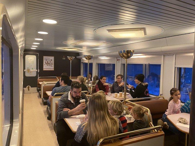 Image - Helsinki to rovaniemi train dining room car