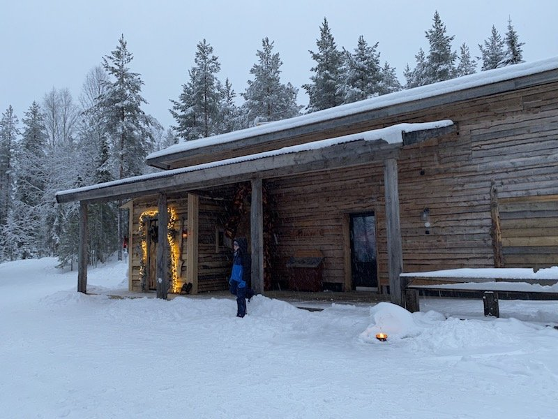 Image - Joulukka santa toy factory cabin building