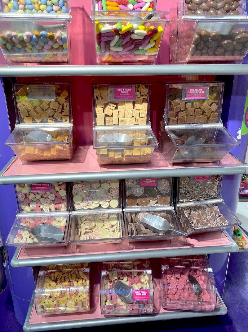 hamleys sweet shop pic 800