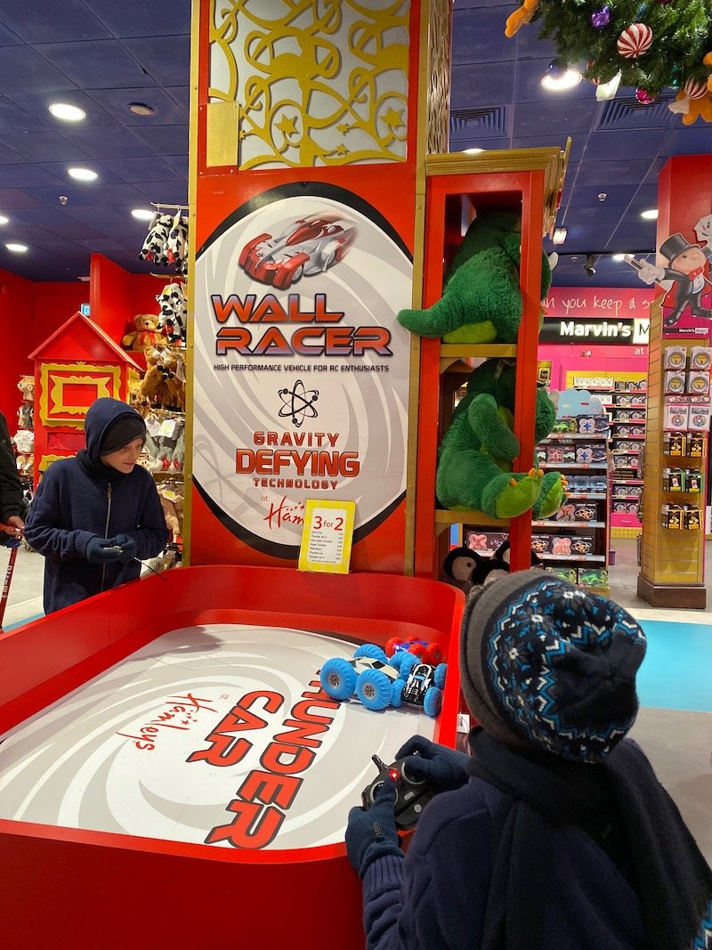 hamleys toy cars wall racer pic 800
