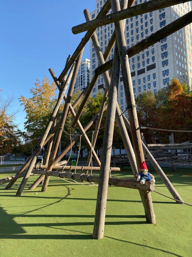 image - jubilee gardens playground climbing frame