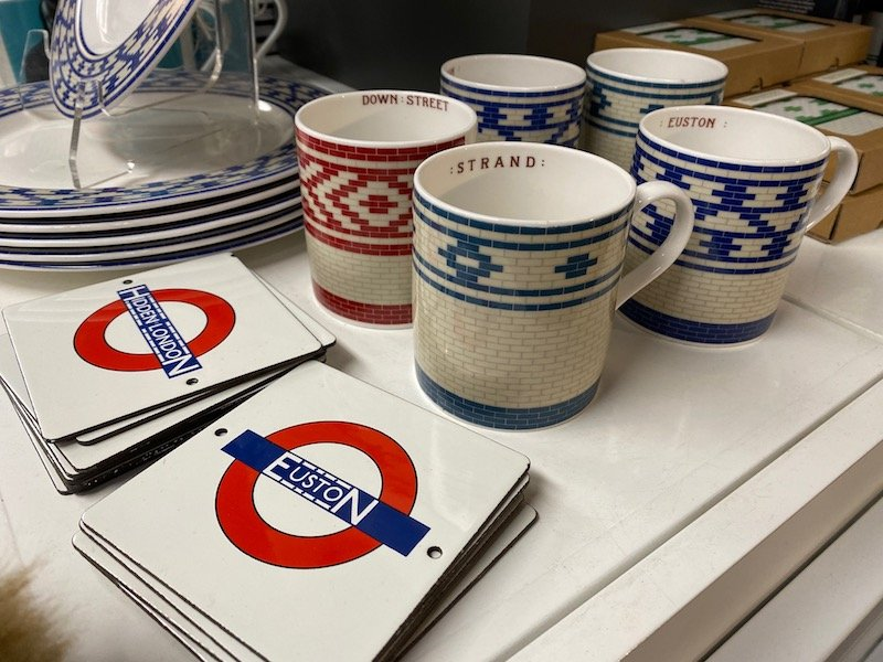 image - london transport museum gift shop souvenirs