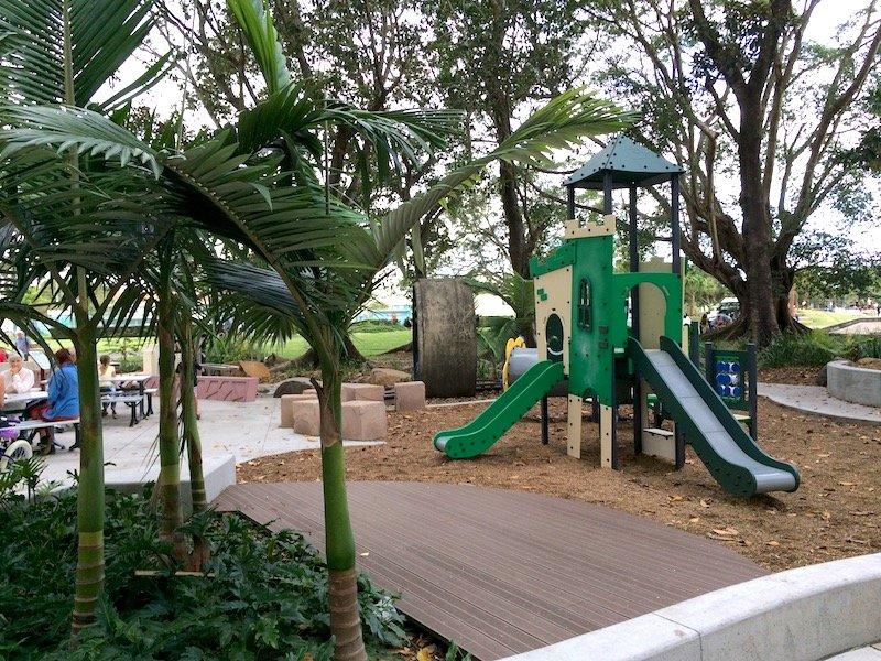 knox park murwillumbah playground area pic