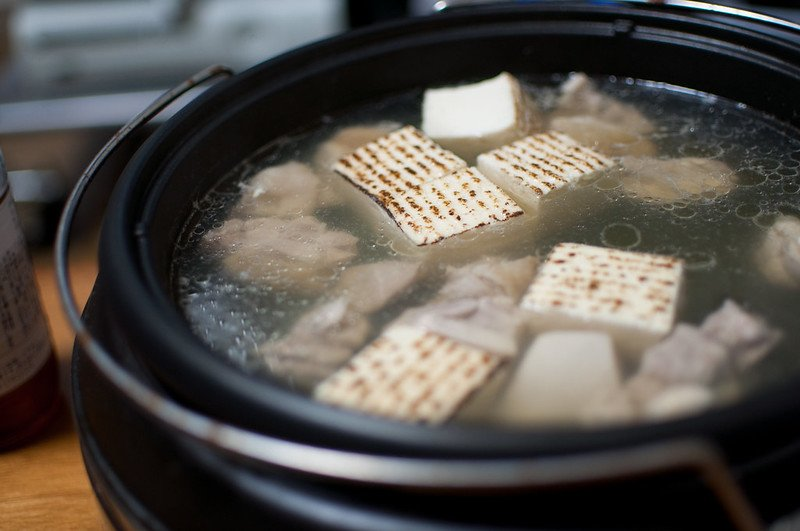 nabe with chicken and tofu by yu morita