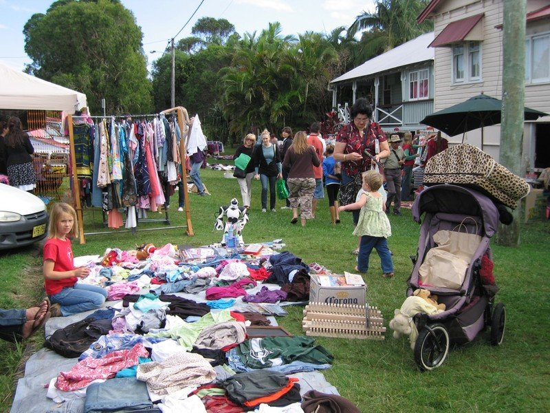 old and gold festival market pic