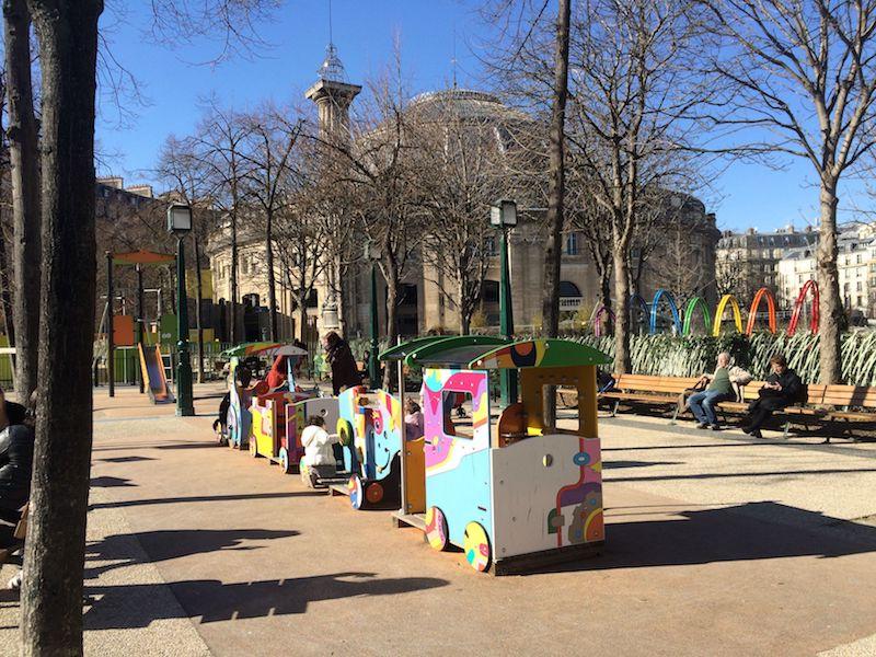 paris playground for kids - nelson mandala