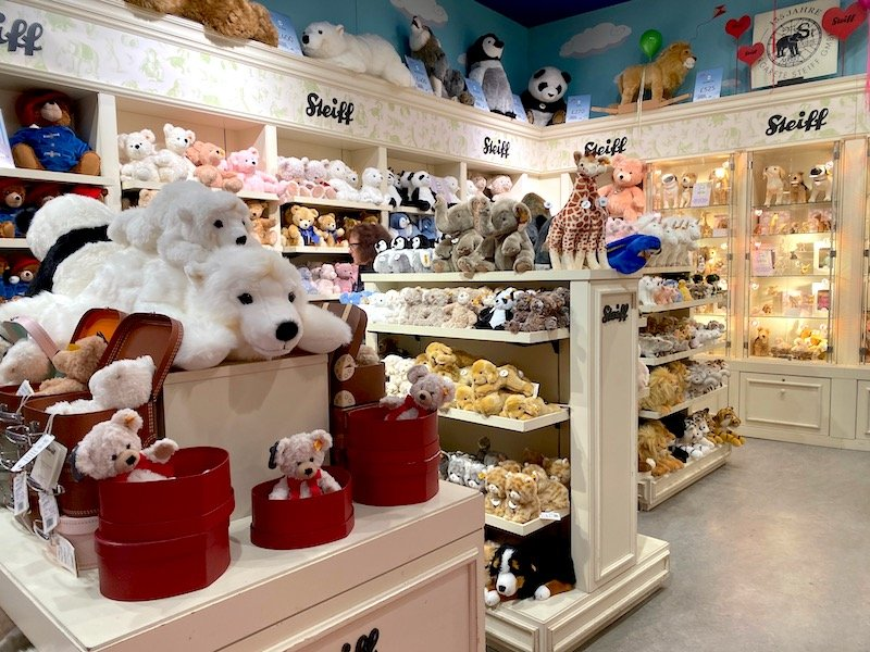 steiff toy shop at hamleys pic 800