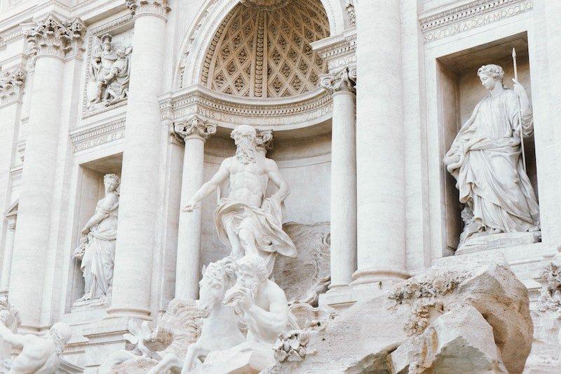 trevi fountain greek-statues-2844464 by martin pechy pexels