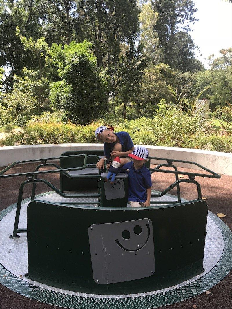 brisbane botanic garden playground cbd pic
