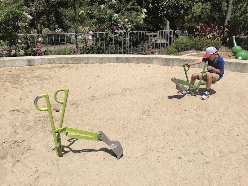 brisbane botanic garden playground sandpit diggers pic