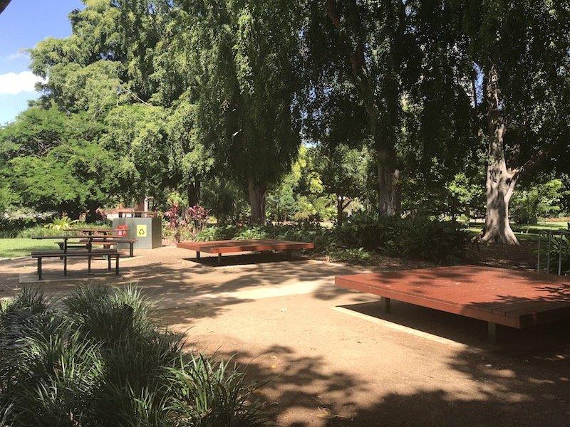 brisbane botanic garden playground seating pic