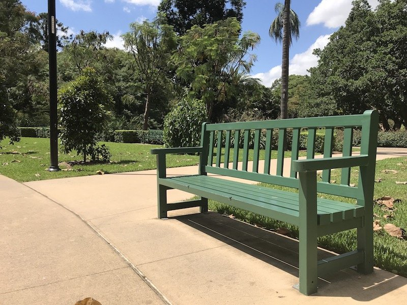 brisbane botanic garden playground seats pic