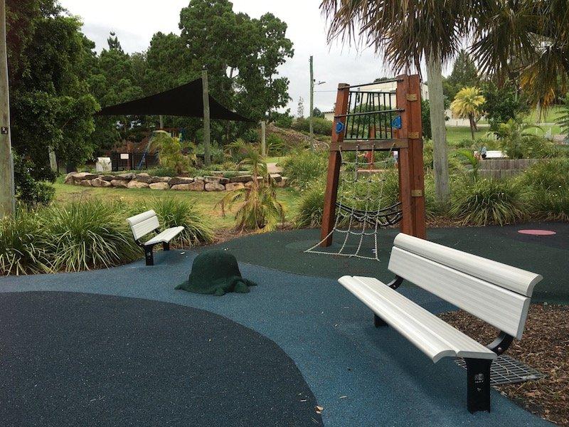 photo - queens park playground fort