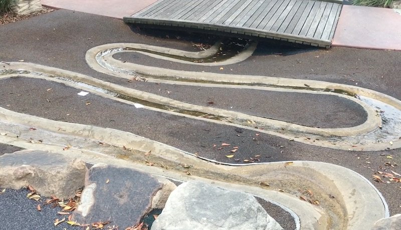 photo - queens park water play track
