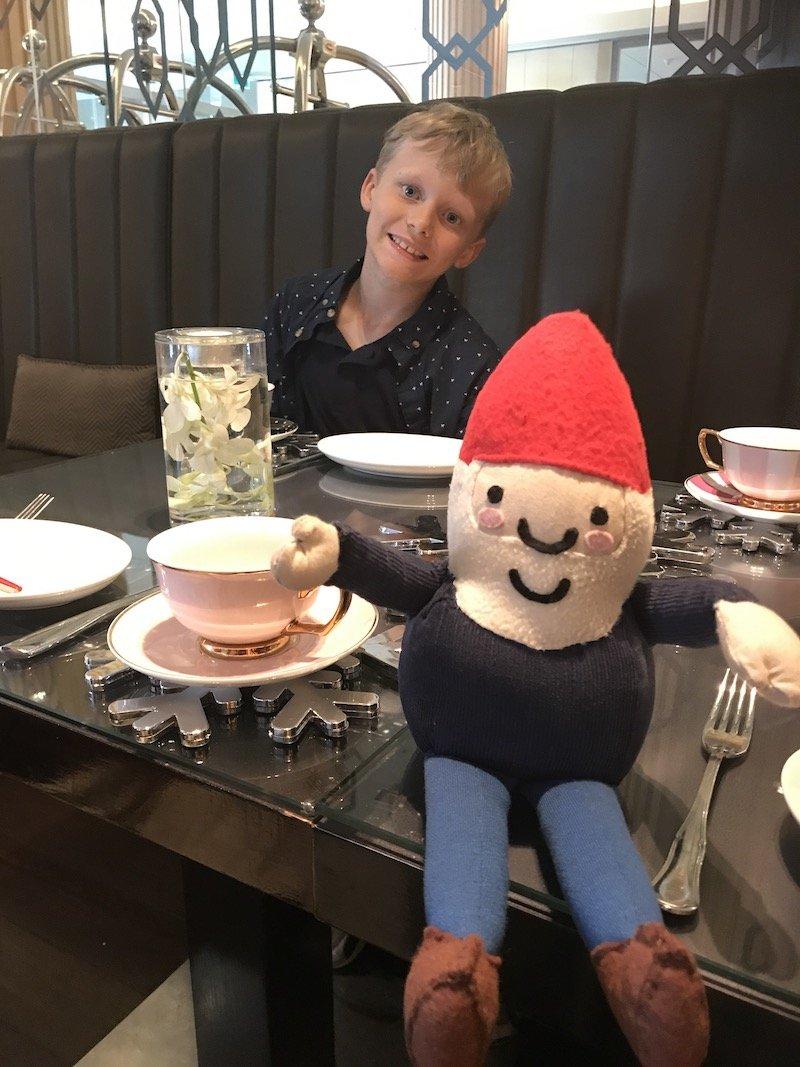 photo - sofitel sydney high tea with roam the gnome