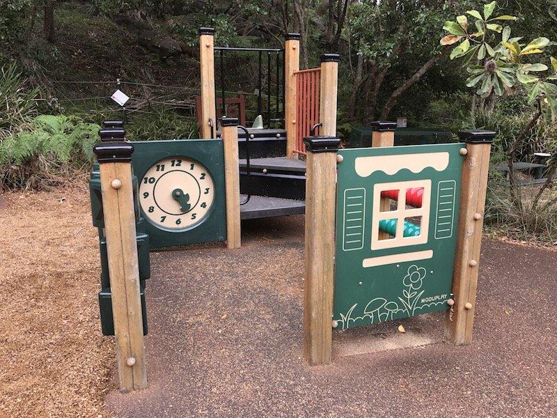 photo - tunks park cammeray clock