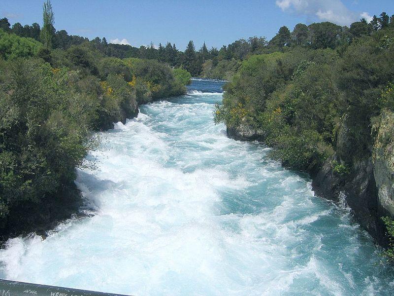 800px-The_Huka_Falls_image (1395793598)