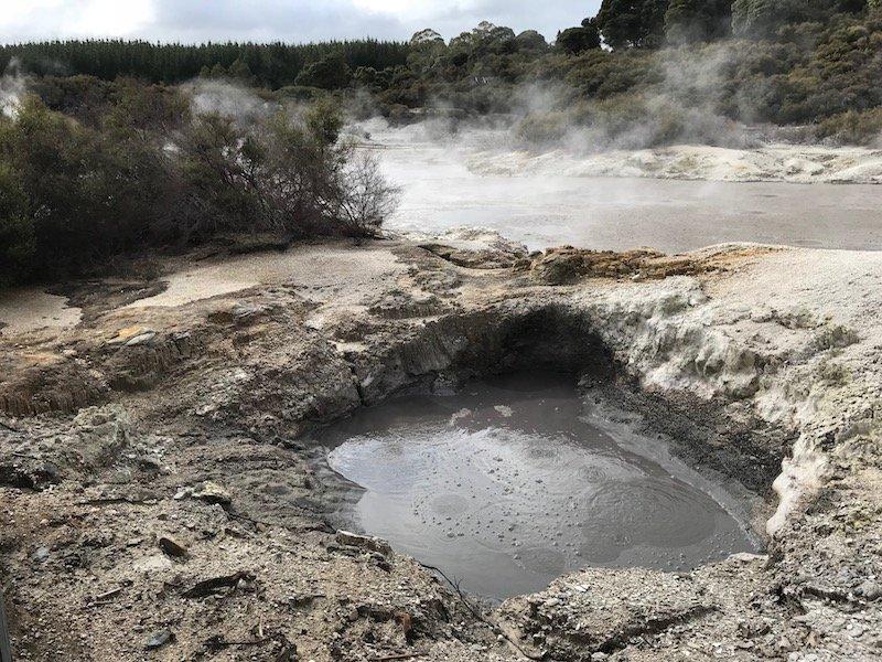 Hells Gate Rotorua devils cauldron pic