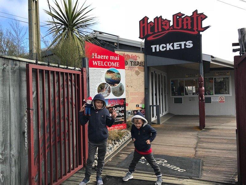 Hells Gate Rotorua entrance sign pic