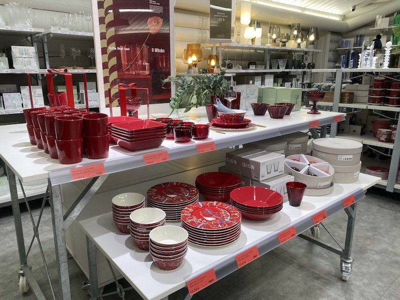 Image - Iittala outlet store finland red dishes