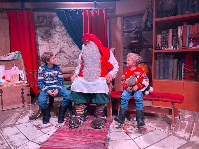 Image - Santa Claus Office Official Santa with boys