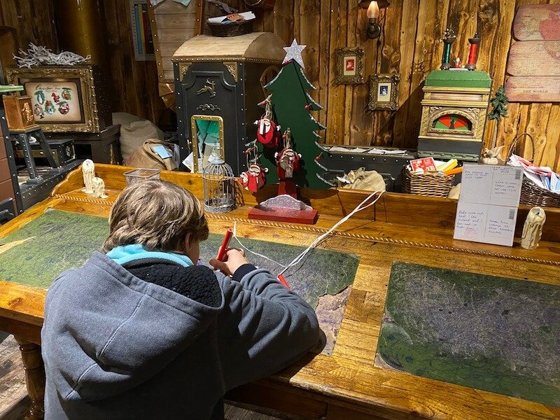 Image - Santa Park Rovaniemi craft workshop