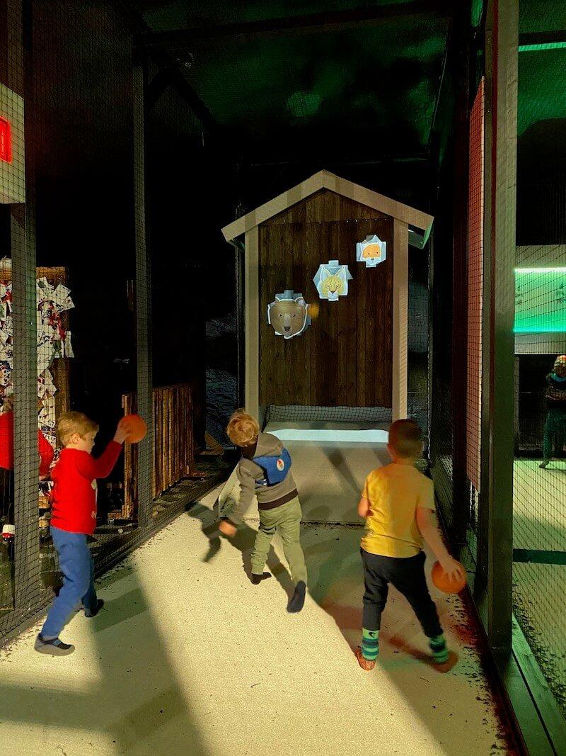 Image - Santa Park arcade games