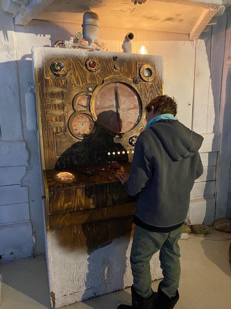 Image - Santa Park time machine