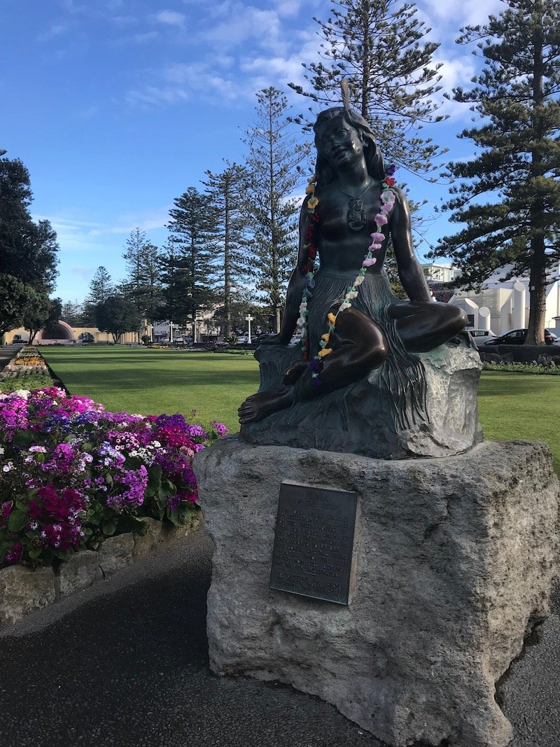Napier Pania of the Reef statue 800