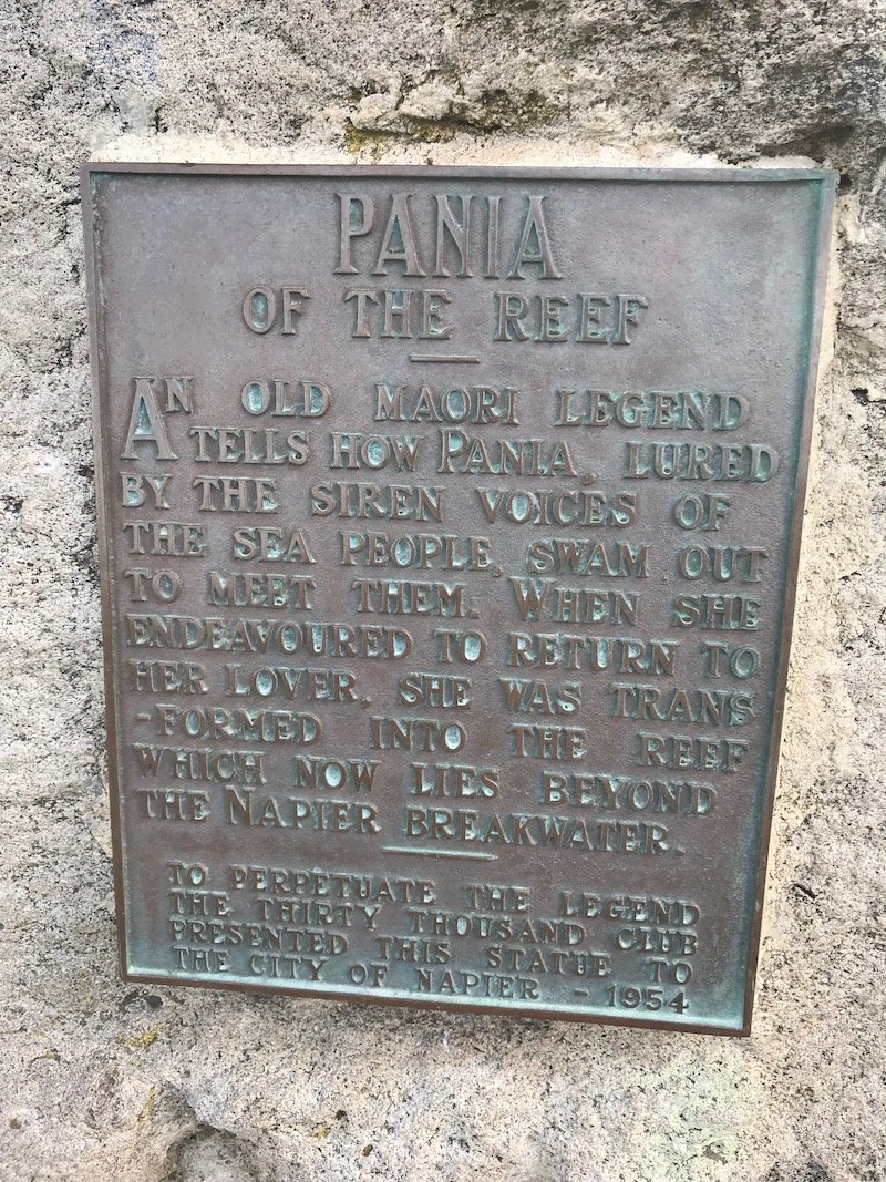 Pania of the Reef statue story plaque 800
