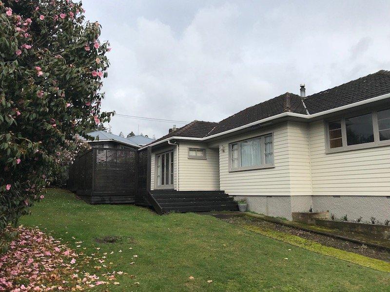 Photo - Rotorua retreats house front garden