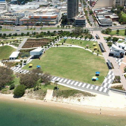 broadwater parklands great lawn pic
