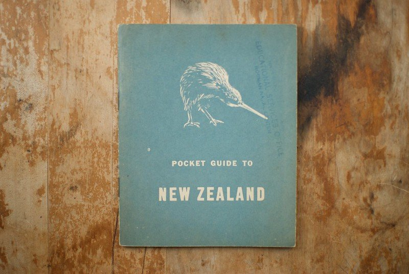 image - new zealand pocket guide by ian collins 3559393645