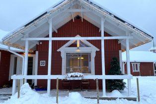 image - santa claus holiday village cabin accommodation 800 copy