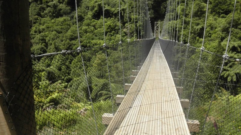 mangatukutuku suspension bridge image via fb