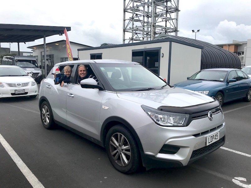 photo - aerodrive car rental pick up 800