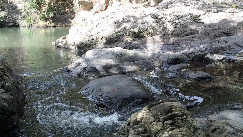 photo - currumbin rock pools gold coast waterfalls