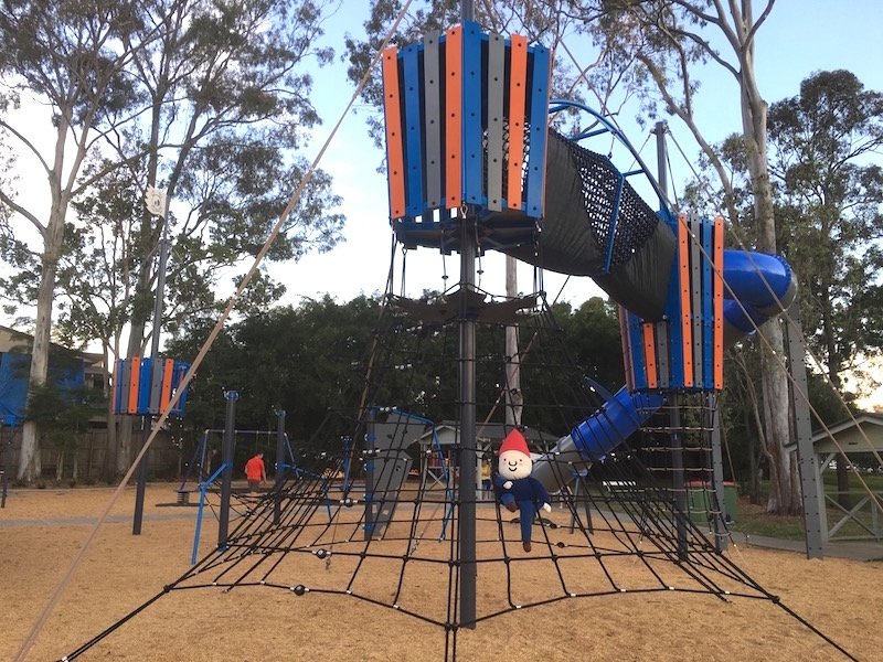 photo - lions park helensvale giant fort