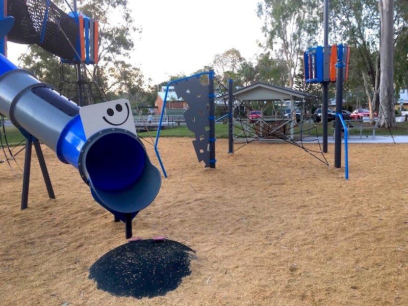 photo - lions park helensvale smiley face slide