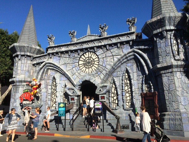 photo - movie world for toddlers scooby doo ride