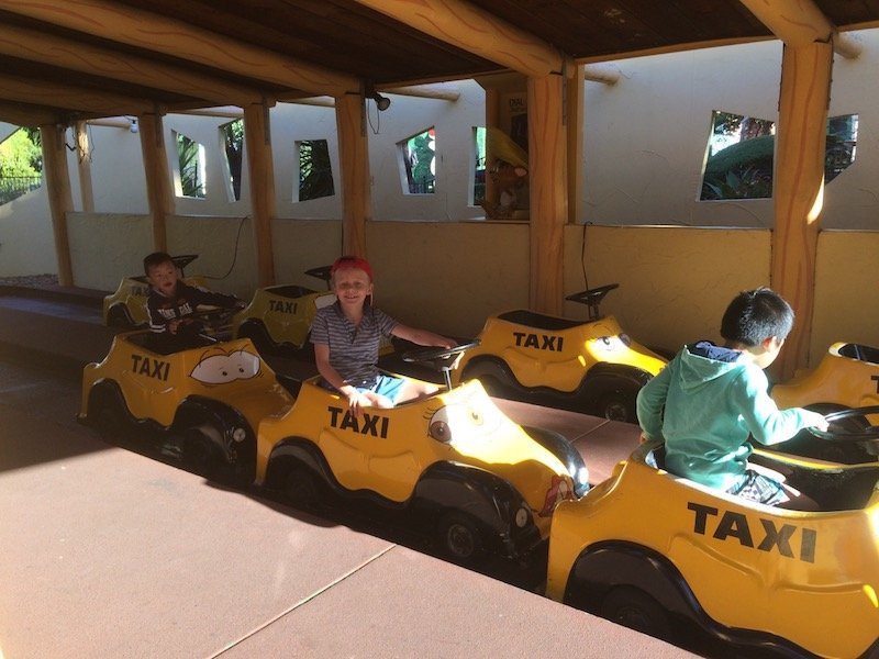photo - movie world for toddlers taxis