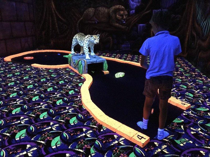 photo - tabatinga tweed mini golf